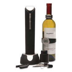 BergHOFF's Wine Gift set is the ultimate accessory for the wine enthusiast in your life. With a full array of tools, this set leaves nothing to be desired other than your favorite bottle of wine. Effortlessly open, pour, and preserve. Wine Pourer, Wine Stains, Coffee Accessories, Vacuum Pump, Wine Gifts, Eyeshadow Makeup, Hostess Gifts, Wine Tasting
