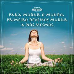 """E se mais pessoas aprenderem a meditar e desfrutarem de todos os benefícios, sim, acreditamos que é possível termos um mundo melhor. Já tentou convidar um amigo para meditar com você? Deixe nos comentários se """"sim"""" ou """"não"""" e como foi essa experiência para vocês!  #meditação#satisfação#meditacion#hapiness#felicidade#liberdade#freedom#relaxamento#energiapositiva#desafios#corpoealma#alma#cerebro"""