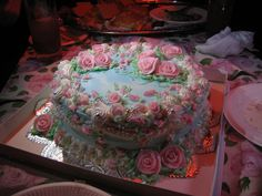 I love cake : ) Pretty Birthday Cakes, Pretty Cakes, Beautiful Cakes, Amazing Cakes, 25th Birthday, Desserts Sains, Cute Desserts, Just Cakes, Rose Cake