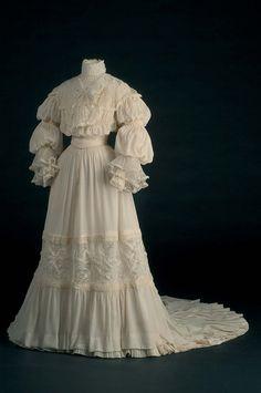 Wedding dress ca. 1907