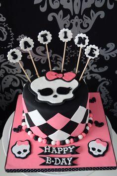 Gâteau Monster High par So Sweet Cake. C'est le gâteau qui m'a fait me lancer dans le cake design ! ♥