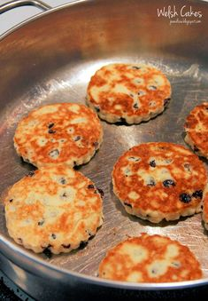 Sometimes the simplest recipes are the best. Take Welsh Cakes, for example. It just doesnt get much more basic and simple than Welsh. Welsh Cakes Recipe, Welsh Recipes, Scottish Recipes, Brunch Recipes, Sweet Recipes, Dessert Recipes, Desserts, Yummy Recipes, Baking Recipes