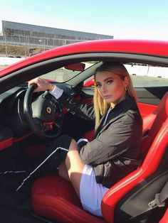 Luxury World Cars creates a special board in the hope of proving the power of cars and woman together in a same place at the same time. 3008 Peugeot, Peugeot 206, Sugar Baby, Sport Cars, Race Cars, Belle Nana, Rich Girls, Girls Driving, Ferrari Car