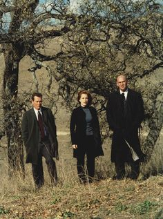Pin for Later: 35 X-Files Outfits That Are Almost Too to Handle And Turtlenecks John Doggett, Mitch Pileggi, Chris Carter, Dana Scully, Halloween Inspo, Trust No One, David Duchovny, Gillian Anderson, Illustrations And Posters