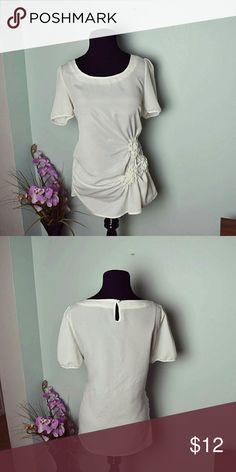 Gorgeous Ivory Side Ruched Blouse In excellent condition. Very beautiful and flattering. Looks excellent with leggings or skinny jeans. Tops Blouses
