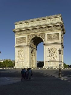 Arc de Triomphe #mustsee #accorcityguide // The nearest AccorHotels is Sofitel Paris Arc de Triomphe