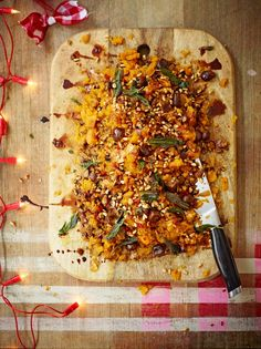 Wondering how to cook butternut squash? Well, try Jamie Oliver's butternut squashed recipe which is wonderfully easy, delicious and full of flavour. Jamie Oliver, Butternut Squash Chilli, Vegetable Recipes, Vegetarian Recipes, Veggie Meals, Paleo Meals, Healthy Dinners, Vegan Christmas Dinner, Christmas Cooking
