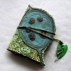 Third Age Musings: Honesty - one stitch at a time Jill Taylor Fabric Journals, Art Journals, Textiles, Handmade Books, Fabric Art, Fabric Books, Fabric Manipulation, Felt Hearts, Journal Covers