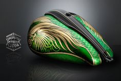 GREEN ANGEL Harley-Davidson Softail: Elaborate and luxurious airbrushed tank, worked on gold and richly worked with metallic colors and powders. Custom Motorcycle Paint Jobs, Custom Paint Jobs, Custom Motorcycles, Motorcycle Tank, Motorcycle Design, Motos Harley Davidson, Helmet Paint, Air Brush Painting, Tank Design