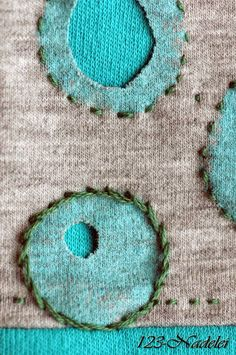 Alabama Chanin, holes of different sizes in design elements. Beaded Embroidery, Embroidery Applique, Embroidery Stitches, Embroidery Patterns, Sewing Crafts, Sewing Projects, Bordados E Cia, Reverse Applique, Fabric Embellishment