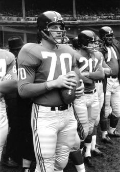 Sam Huff on the New York Giants Sideline in 1959 The Hall of Fame middle linebacker on the New York Giants Sideline sometime in 1959. That season the Giants made it to the NFL Championship game against the Colts. Huff was named to the Pro Bowl team.