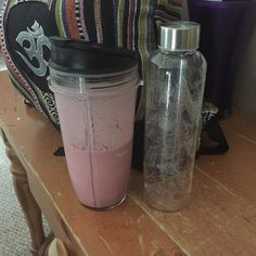 #sugarfreejune breakfast smoothie with bananas raspberries vanilla protein powder and pomegranate aloe water. UnleashdNutrition.com got my glass water bottle for some super mineral hydration. 85 and sunny at the golf course today!