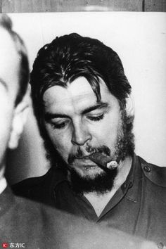 Comandante Ernesto Che Guevara - the Argentine-Cuban guerrilla fighter, revolutionary leader,. Barry Chuckle, Che Guevara Photos, Chuckle Brothers, Ernesto Che Guevara, Elliott Erwitt, Guerrilla, Popular Culture, Revolutionaries, Face