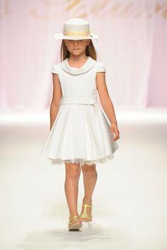 ALALOSHA: VOGUE ENFANTS: Miss Blumarine показ коллекции SS 2013
