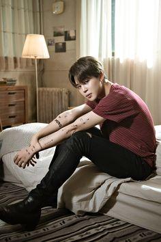 Find images and videos about kpop, bts and jungkook on We Heart It - the app to get lost in what you love. Park Ji Min, Kim Namjoon, Jung Hoseok, Seokjin, Jikook, Bts Jimin, Bts Bangtan Boy, Billboard Music Awards, Foto Bts