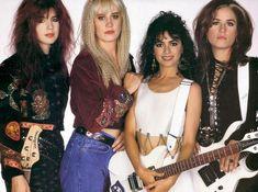 Susanna Hoffs band The Bangles Susanna Hoffs, Girl Bands, The Bangles Band, Michael Steele, Women Of Rock, Pop Rock Bands, Female Singers, Rare Photos, Outfit