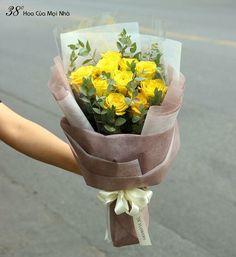 67 Ideas For Flowers Bouquet Gift Graduation Bouquet Wrap, Hand Bouquet, Rose Bouquet, How To Wrap Flowers, Hand Flowers, Beautiful Flower Arrangements, Floral Arrangements, Amazing Flowers, Beautiful Flowers