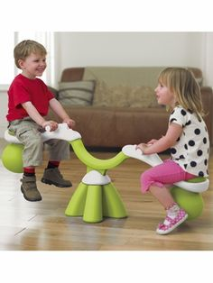 Spiro Bouncer -- looks like such fun for the kiddos!