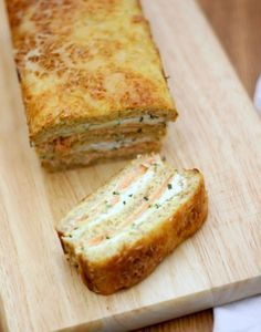 Croque-cake courgette et saumon fumé - Expolore the best and the special ideas about Smoking meat Meat Recipes, Cake Recipes, Cooking Recipes, Cake Courgette, Salmon Croquettes, Fig Cake, Sandwich Cake, Smoked Salmon, Clean Eating Snacks