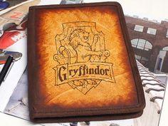 iPad & iPad Mini Leather Cover - Gryffindor - Customizable - Free Personalization