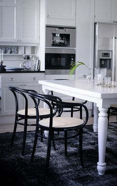 Black + white via the House of Philia