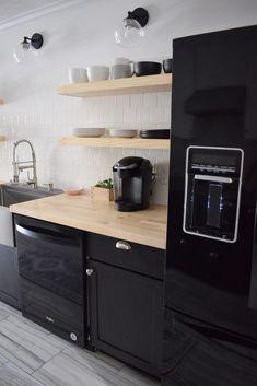 Kitchen On A Budget, Diy Kitchen, Kitchen Design, Kitchen Ideas, Smart Kitchen, Bright Kitchens, Black Kitchens, Black Kitchen Cabinets, Kitchen Cabinets With Black Appliances