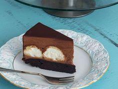 Tort profiterol cu mousse de ciocolata • Gustoase.net Cheesecake, Desserts, Food, Tailgate Desserts, Deserts, Cheesecakes, Essen, Postres, Meals