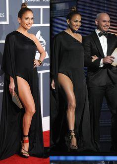 Jennifer López desafía a la organización de los Grammy con su atrevido vestuario #cantantes #singers #people #celebrities #famosas #redcarpet #alfombraroja