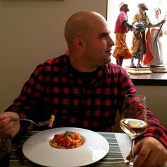 Pasta tastings on our Chiaia Food Tour, simply delicious! @mangiafoglia #naples #napoli #italy  #fun #GetInstaLike #holiday #igtravel #instago #instagood #instapassport #instatravel #instatraveling #mytravelgram #photooftheday #tourism #tourist #travel #travelgram #traveling #travelingram #travelling #trip #vacation #visiting