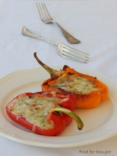 Food for thought: Τυριά Canapes, Greek Recipes, Food For Thought, Finger Foods, Curry, Food And Drink, Appetizers, Cooking Recipes, Vegetarian