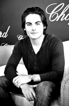 Kevin Zegers aka Alec Lightwood loving him so much more than I thought I would