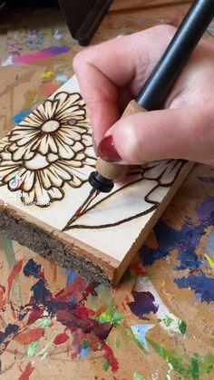 Wood Burning Tips, Wood Burning Techniques, Wood Burning Crafts, Wood Burning Patterns, Tin Can Crafts, Wooden Crafts, Pyrography Designs, Wood Burn Designs, Dremel Carving