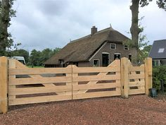 Farm Entrance, Driveway Entrance, Farm Fence, Backyard Fences, Front Gates, Entrance Gates, Wooden Farm Gates, Wooden Carports, Fence Gate Design