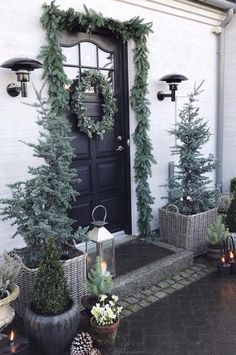 Latest Front Door Ideas that Add Value to Your Home 2019 - Page 25 of 46 . Christmas Porch, Outdoor Christmas, Christmas 2019, White Christmas, Christmas Crafts, Front Door Decor, Front Porch, Christmas Inspiration, Xmas Decorations