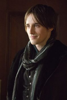 Linus Croft, the main male character, romantic interest of Amber, her masquerade partner