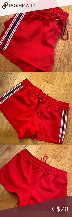 TNA shorts Size S Perfect condition! Aritzia Shorts Athletic Shorts Yoga Shorts, Grey Shorts, Striped Shorts, Running Shorts, Workout Shorts, Zara Denim Jacket, Sweatpants Style, Polka Dot Maxi Dresses, Athletic Shorts