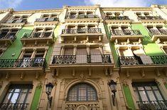 Calle Labradores en Alicante.   Emblemática calle del casco antiguo con una interesante relación de casas palaciegas del s. XVIII.