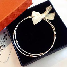 Novas pulseiras para acompanhar a filha única que ela já tinha!!!!  maciças em Prata 950 e Ouro 18k  #juliatoledojoias #joalheriadeautor