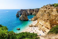 Whether you live and work in the city all day or need a little downtime, the best facials in London Algarve, Resorts, Best Golf Courses, European Vacation, Square Photos, Flash Photography, Photo Checks, Roadtrip, Taking Pictures