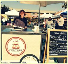 A beautiful fall day at the Hastings Farmers Market. Photo by Leslie Boorstein Kahan.