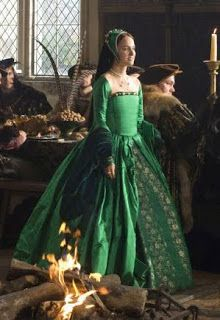 Confessions of a Costumeholic / Confessions d'une Costumeholique: Wednesday Weekly Wishlist: Anne's Green Gown (The Other Boleyn Girl)