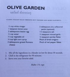 Olive Garden Salad Dressing -- but for safety!, leave out the raw egg! Olive Garden Dressing, Olive Garden Salad, Olive Garden Recipes, Copykat Recipes, Sauce Recipes, Cooking Recipes, Salate Warm, Fettucine Alfredo, Olives