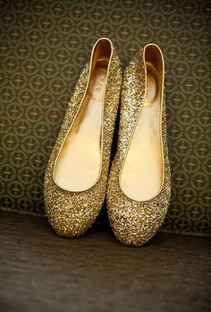 The bride accessorized with sparkly gold flats from J. Crew. Photos by Kelsey Thompson.