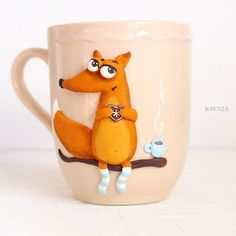 Из того что сделала  за последние дни, это кружека понравилась  мне больше  сделана по иллюстрации неизвестного мне автора. #полимернаяглина #пластика #ярмаркамастеров #кружкасдекором #кружканазаказ #ручнаяработа #фимо #polymerclay #cup #handmade #livemaster