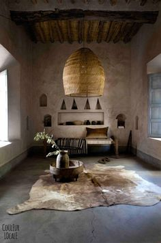 A beautiful Moroccan home decorated by Couleur Locale Interior Architecture, Interior And Exterior, Rustic Interiors, Wabi Sabi, Interior Inspiration, Living Spaces, Living Room, Interior Decorating, Decorating Tips