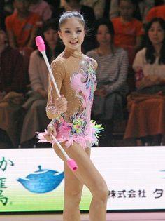 イオン杯で見せた、皆川夏穂のクラブの演技=東京体育館(2013年10月26日) 【時事通信社】 ▼時事通信|アジア大会の美女選手 写真特集 http://www.jiji.com/jc/asia2014?d=d4_ll&p=asb014-jpp016092745&s=photolist #Kaho_Minagawa