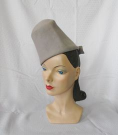 65b61820a46 30 s 40 s Vintage Gray Felt Tall Tilt Hat New York Creation 22. 1940s Hats