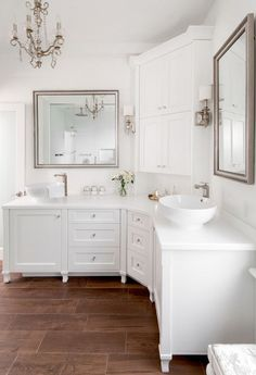 Bathroom decor for your master bathroom renovation. Discover master bathroom organization, bathroom decor a few ideas, bathroom tile a few ideas, master bathroom paint colors, and much more. Gorgeous Bathroom, Trendy Bathroom, Bathroom Remodel Master, Bathroom Vanity Designs, White Vanity Bathroom, Corner Vanity, Bathroom Design, Beautiful Bathrooms, Vanity Design