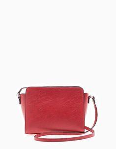 En Stradivarius encontrarás 1 Bolso micro satchel para mujer por sólo 12.95 € . Entra ahora y descúbrelo junto con más BOLSOS.