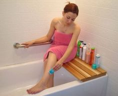 Cedar Bathtub Bench.  So easy to make! -seriously this is genius!